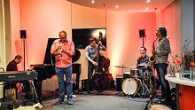 """""""Quintett West"""" spielt sanfte Balladen und stürmische Stücke"""